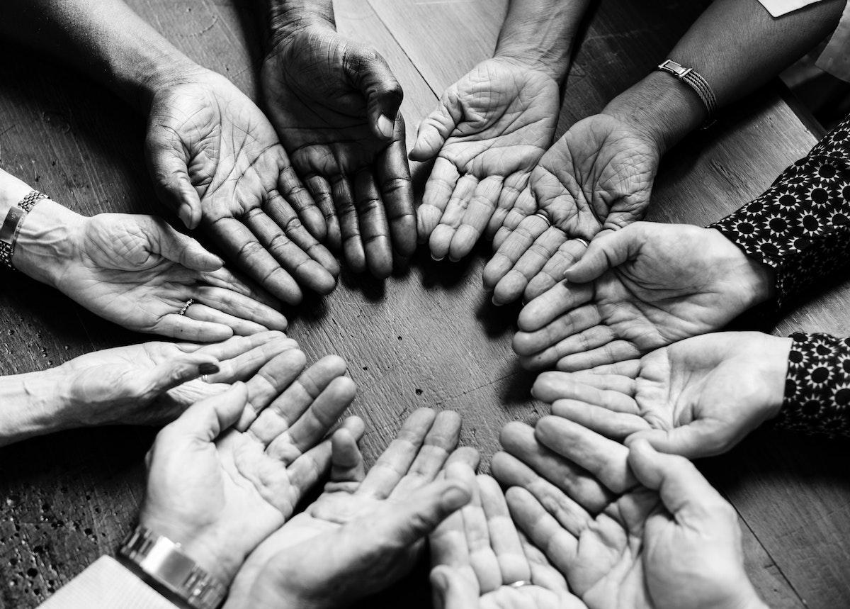 wild-women-circle-hands-naperville-illinois